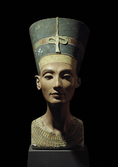 "Hawass says that Berlin's bust of Nefertiti ""should be in the motherland."""