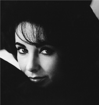 Elizabeth Taylor's Collection Goes on World