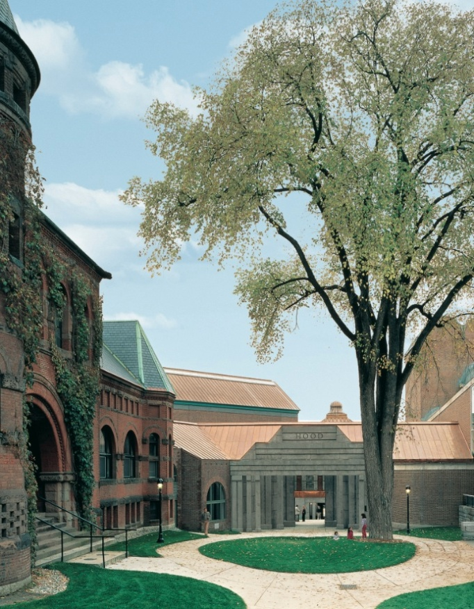 Dartmouth Names Architect Hood Museum Expansion