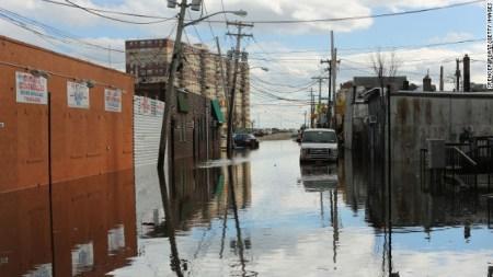 Post-Sandy, the Art World Heads the
