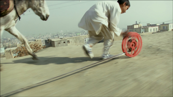 A still from Francis Alÿs's video REEL-UNREEL, 2011. COURTESY DAVID ZWIRNER, NEW YORK AND LONDON