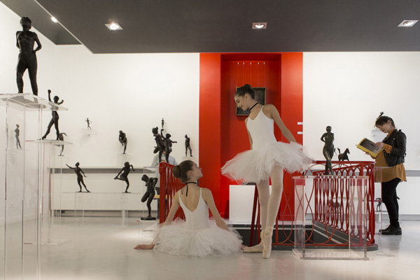 Dance students enlivened the opening of an exhibition of Valsuani-produced Degas sculptures at Serge Goldenberg's Paris gallery, Galerie Artco France. ©ANNA GORVITs