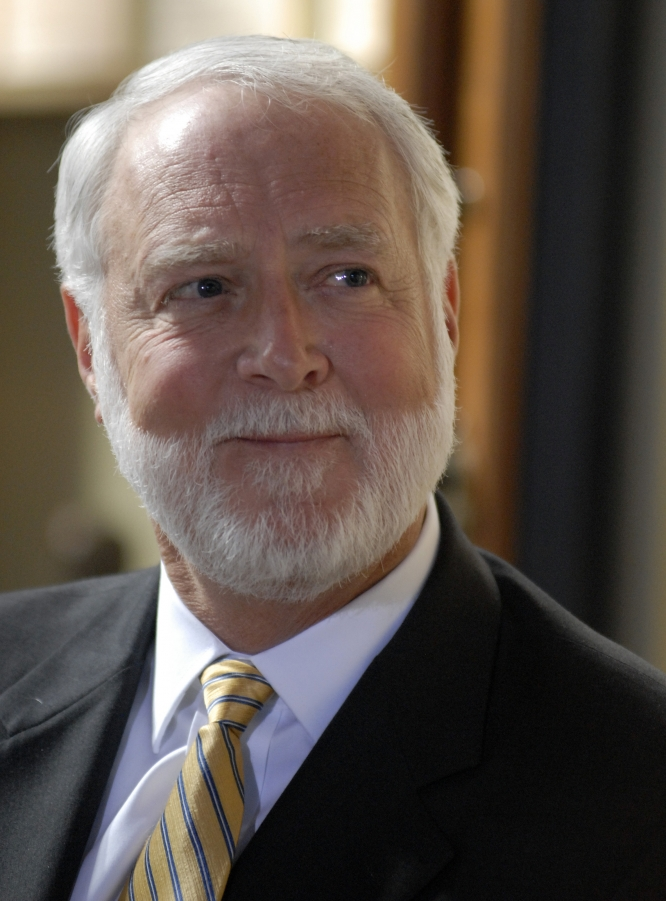 Smithsonian Head G. Wayne Clough Retire