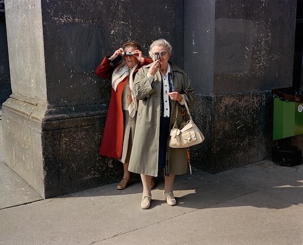 Charles Traub, Milan, 1981 from Dolce Via: Italy in the 1980s. COURTESY CHARLES H. TRAUB/DAMIANI.