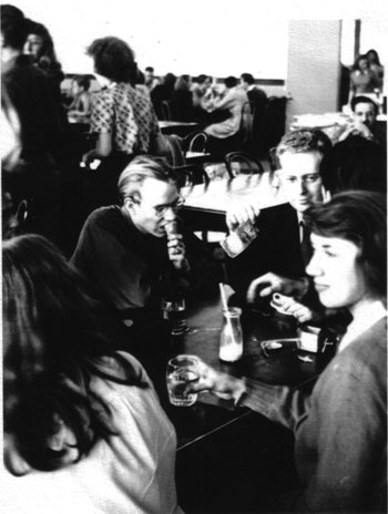Andy Warhol (left) and Philip Pearlstein with classmates at Carnegie Tech. COURTESY PHILIP PEARLSTEIN
