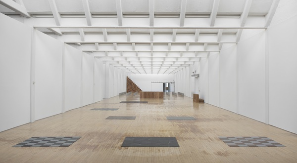 Installation view, Carl Andre: Sculpture as Place, 1958–2010, Dia:Beacon, Riggio Galleries, Beacon, New York. May 5, 2014-March 2, 2015. ART © CARL ANDRE/LICENSED BY VAGA, NEW YORK, NY. PHOTO: BILL JACOBSON STUDIO, NEW YORK. COURTESY DIA ART FOUNDATION, NEW YORK.