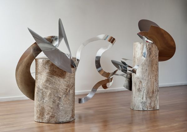 Lygia Clark, Trepante, versão 01 (Climber, version 01), 1965, aluminum. COLLECTION JONES BERGAMIN.