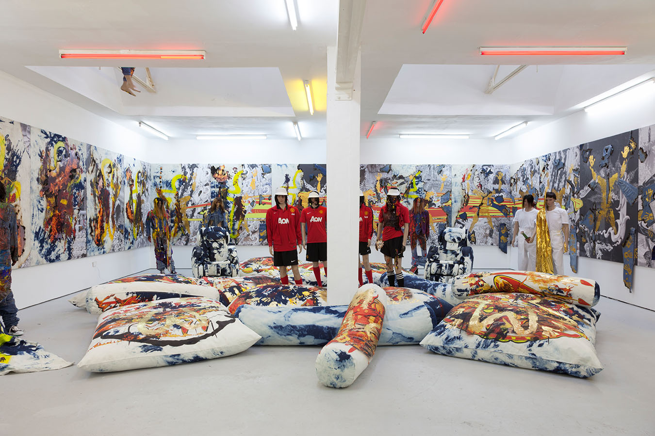 Installation view of Korakrit Arunanondchai, 2557 (Painting with history in a room filled with men with funny names 2), 2014, at Carlos Ishikawa.COURTESY THE ARTIST AND CARLOS ISHIKAWA