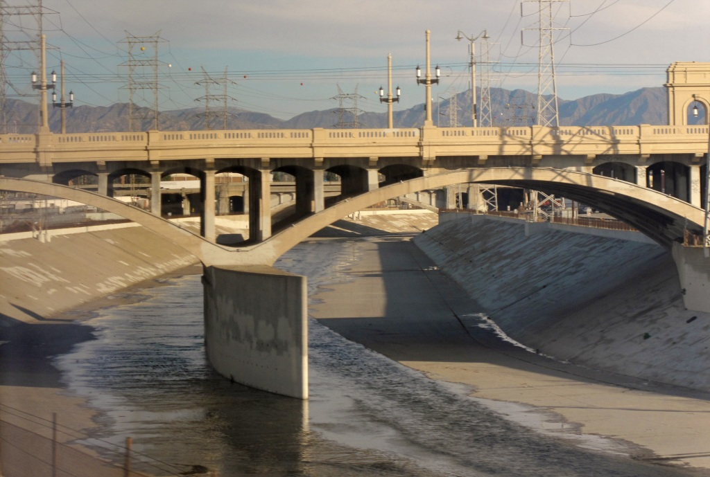 Frank Gehry Is Redesigning the Los Angeles River Basin Waterway
