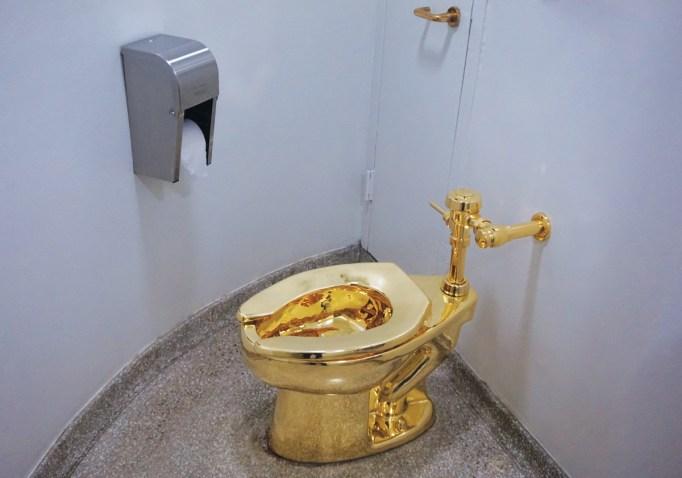 Maurizio Cattelan, America, 2016, golden toilet