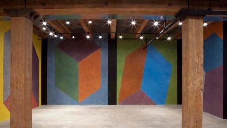Chicago's Rhona Hoffman Gallery Heads West