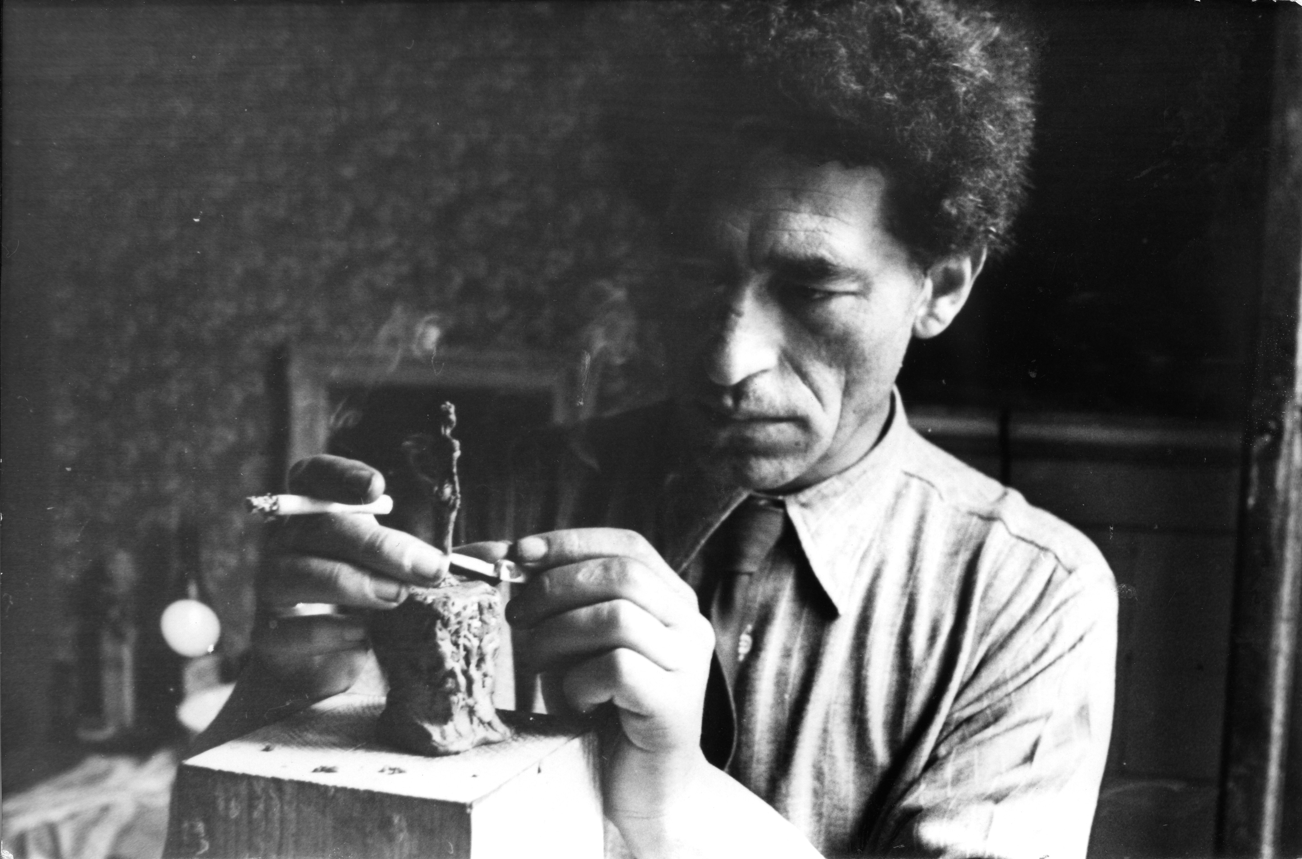 Small Is Beautiful: Luxembourg & Dayan Will Stage Show of Alberto Giacometti's Tiniest Works, With Urs Fischer Exhibition Design