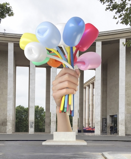 Paris's Deputy Mayor: Jeff Koons's Controversial 'Bouquet of Tulips' Sculpture to Be Installed Near Petit Palais