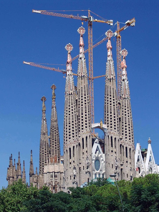 Morning Links: Sagrada Família Edition