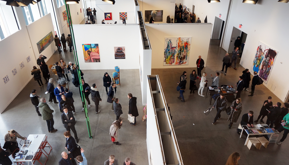 Techno, Ostrich Eggs, and Icy Winds: Independent Art Fair Gets Off to a Spirited Start