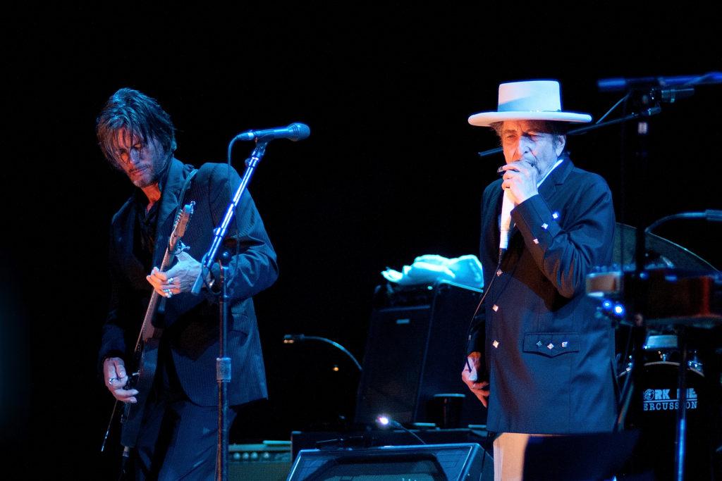 Morning Links: Bob Dylan's Art Center Edition