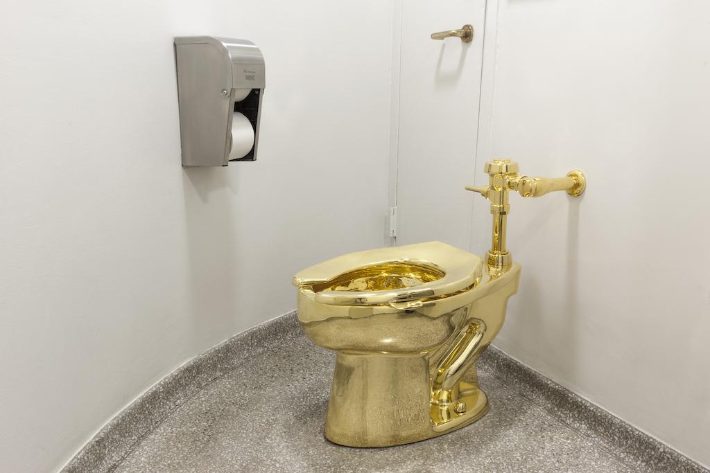 Maurizio Cattelan's Golden Toilet Will Visit England