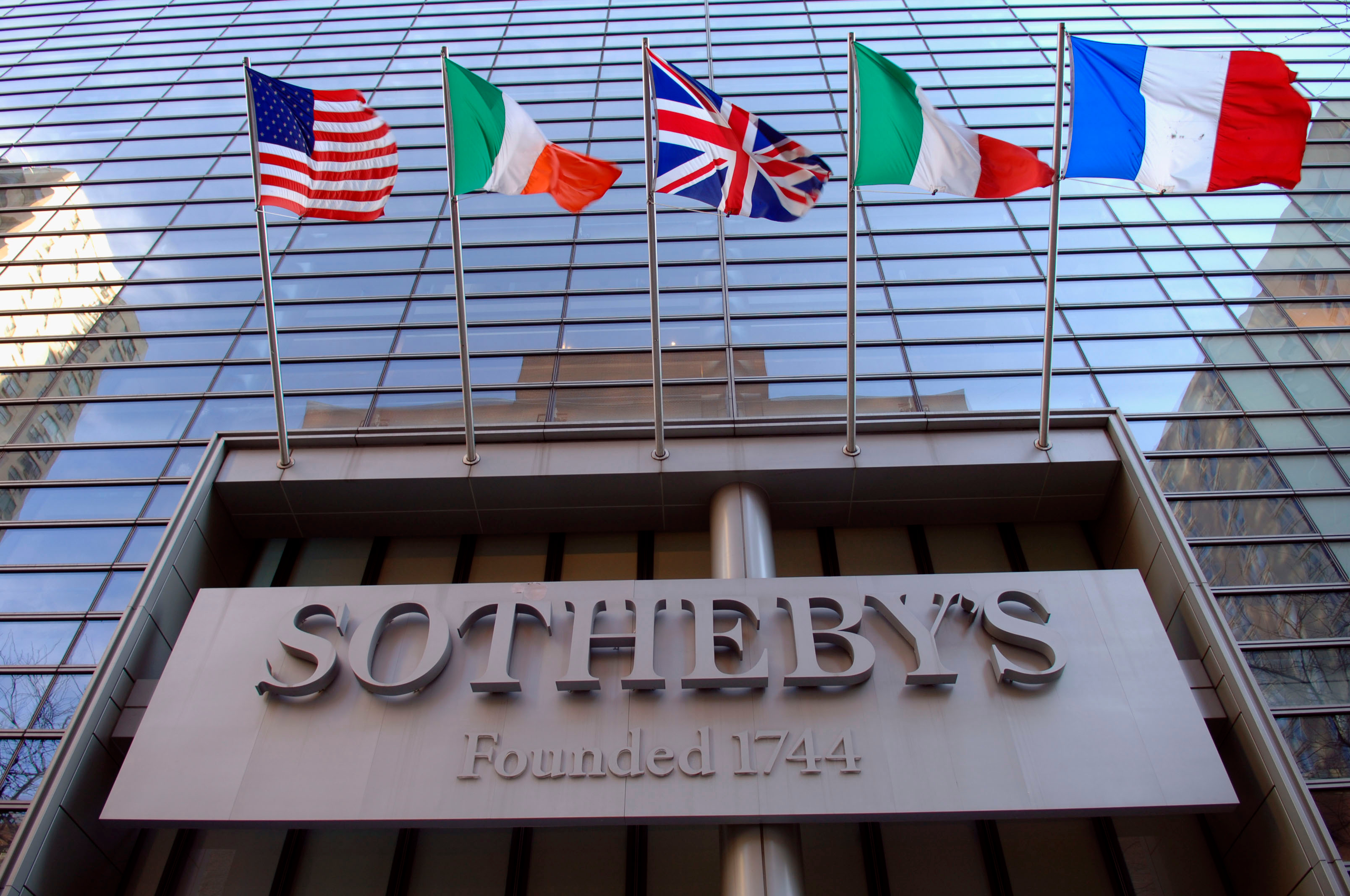 Sotheby's Reports Standard Q1 Loss, with Lower Volume, Higher Commission Margin