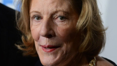 Art Collector Agnes Gund Signs Letter
