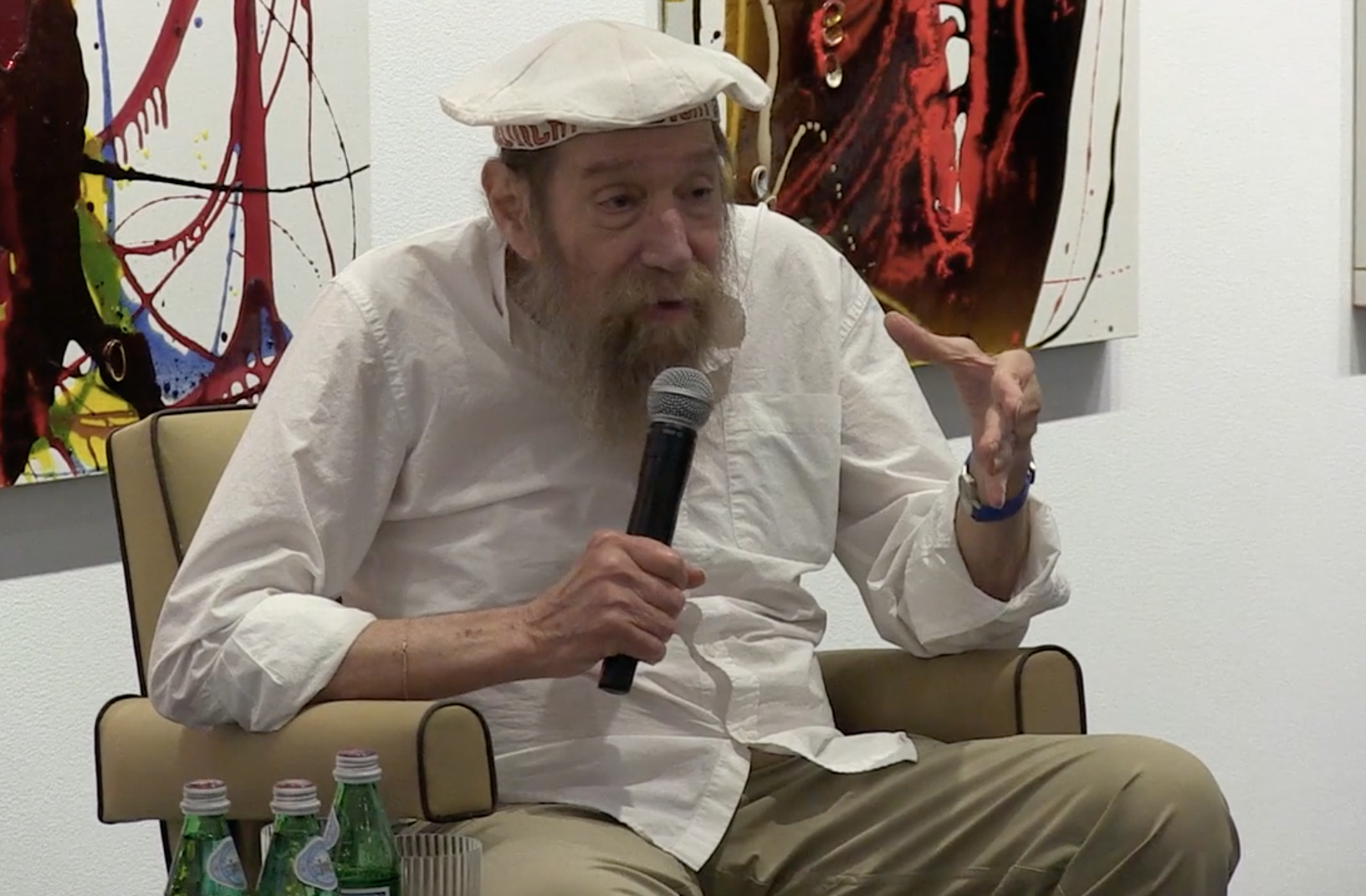 FLAG Art Foundation Spotlights Artist Lawrence Weiner at Tenth Anniversary Event