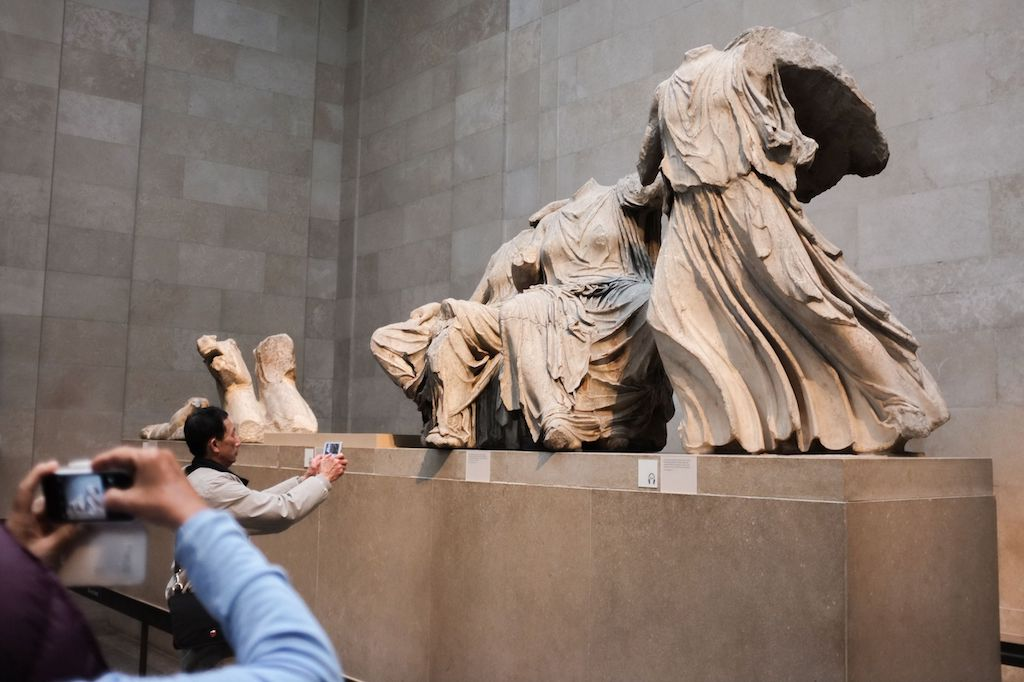 Chinese President Voices Support for Greece's Antiquity Repatriation Campaign -