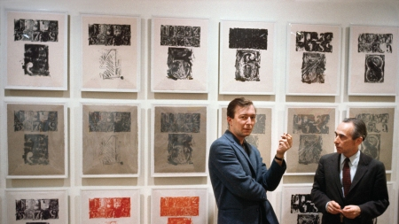 Artist Jasper Johns with art dealer