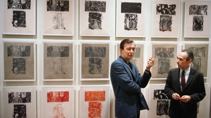 Artist Jasper Johns with art dealer