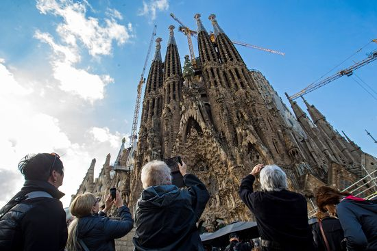 Barcelona's Iconic Sagrada Familia Basilica to Add New Stairway, Against Objections from Locals