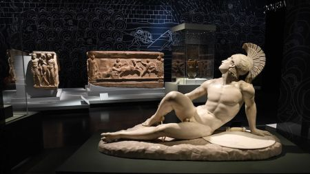 The sculpture 'The Wounded Achilles' (1825)