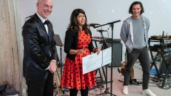 Rajshree Solanki accepting the registrar of the year award
