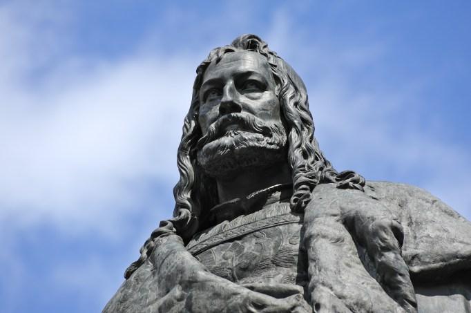 A statue of Albrecht Dürer in