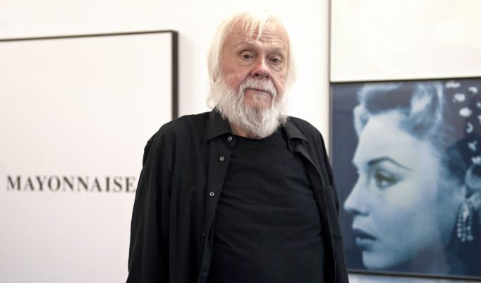 Us Artist John Baldessari Poses at