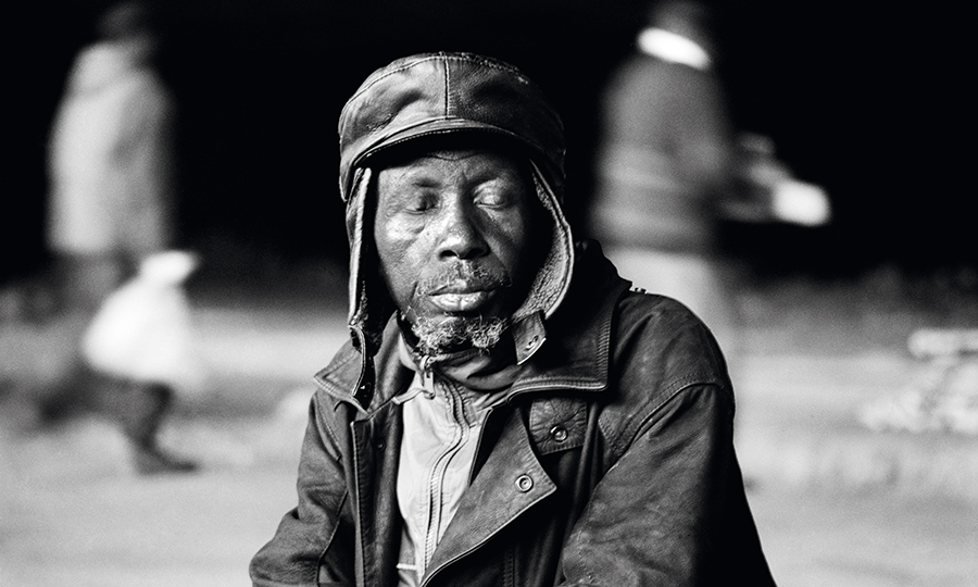 Santu Mofokeng, Photographer Who Elegantly Immortalized Lives of Black South Africans, Is Dead at 64