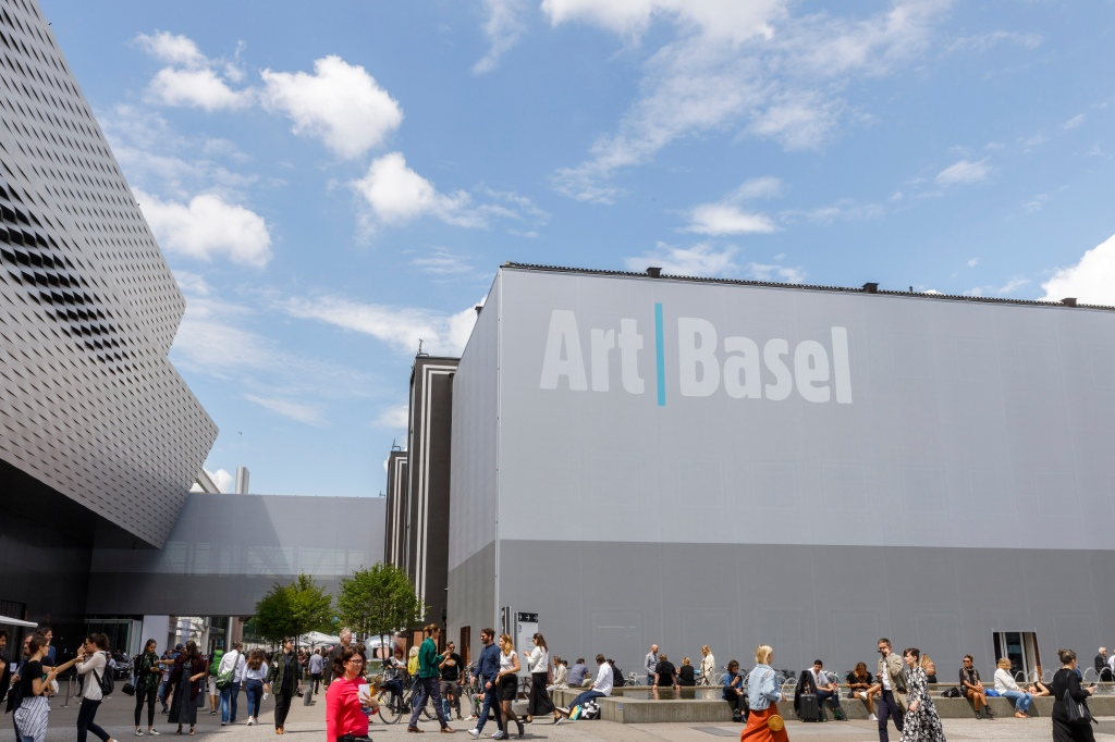 Here's the 2020 Exhibitor List for the World's Biggest Art Fair, Art Basel