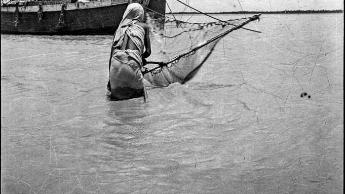 Golam Kasem Daddy: Woman Fishing, 1922.