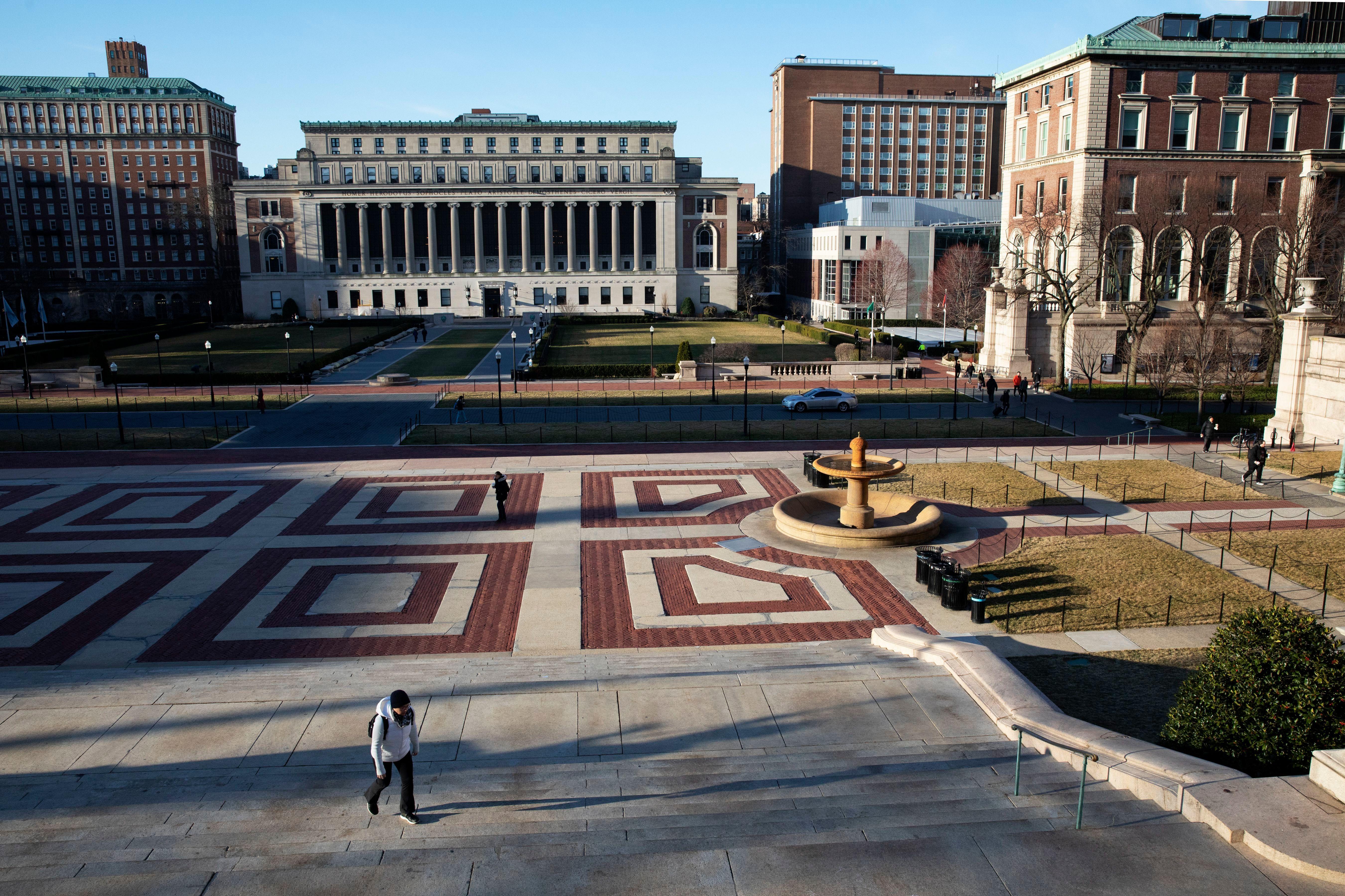 Columbia University M F A Students Demand Refunds Artnews Com