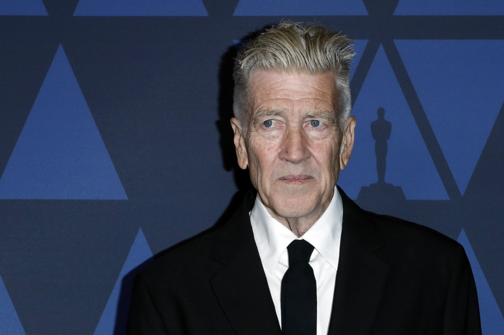Drive-By Art Thrives, David Lynch Reports on the Weather, and More: Morning Links from May 12, 2020