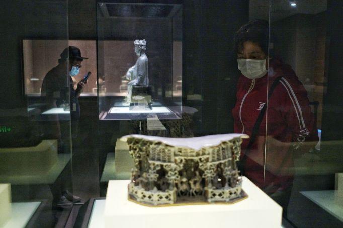 Visitors donned face masks to visit
