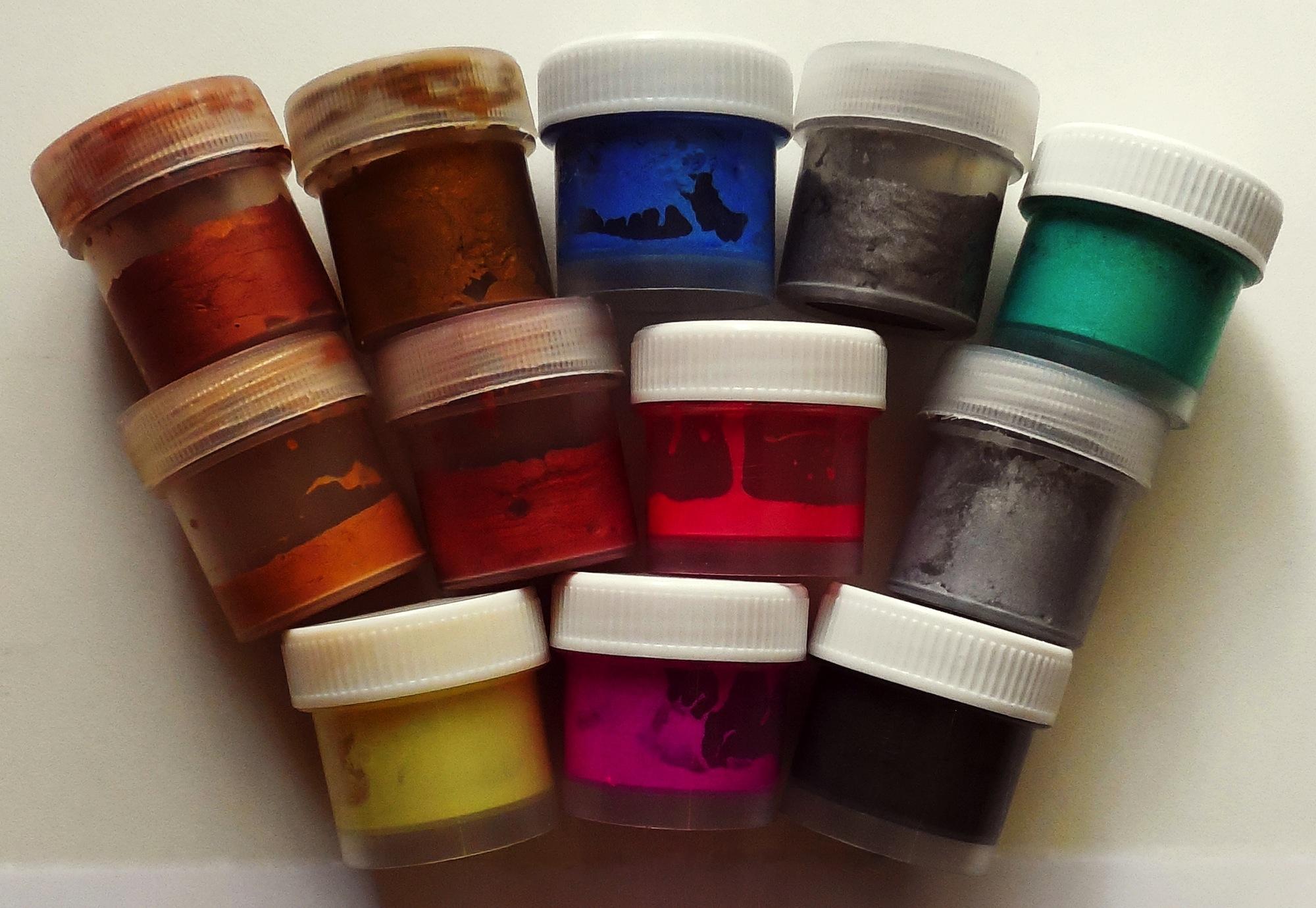 best paint for plastic