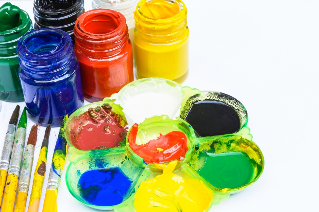 For Rainy Day Crafting, Here Are the Best Poster Paints