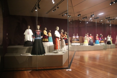 Frida Kahlo mannequins de Young San Francisco