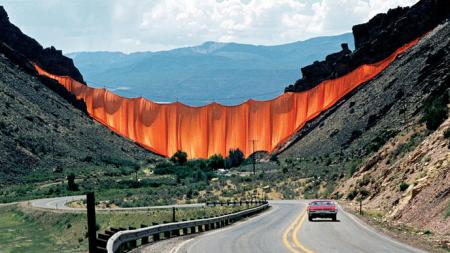 Christo and Jeanne-Claude: Valley Curtain, Rifle,