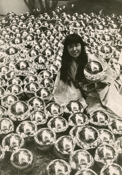 Yayoi Kusama with Narcissus Garden at the Venice Biennale, 1966.