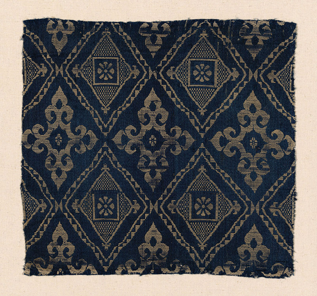 A 14th-century textile fragment by a Mamluk maker