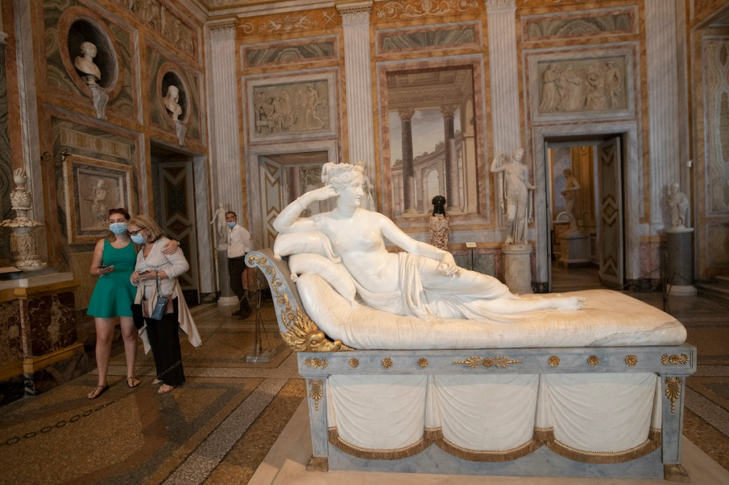 Visitor Damages Antonio Canova Sculpture While Attempting to Take a Selfie