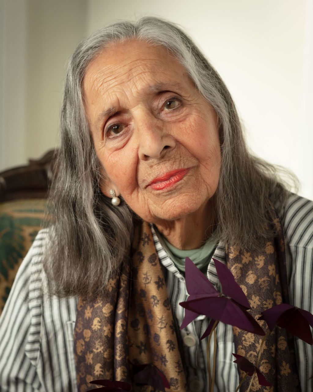 Luchita Hurtado, Influential Painter Who Created Dizzying Images of Women and Nature, Is Dead at 99