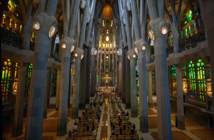 In Barcelona Sagrada Familia Completion Date Delayed By Pandemic Artnews Com