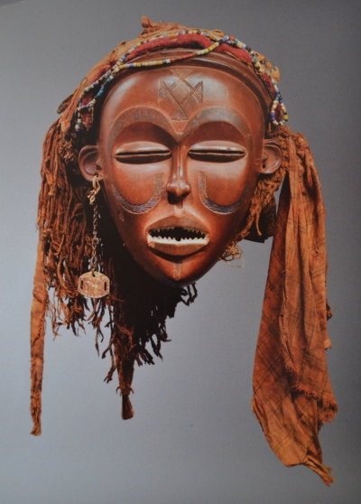 A Chokwe Mwana Pwo mask that was returned to Angola from a private collection in France in April 2016.