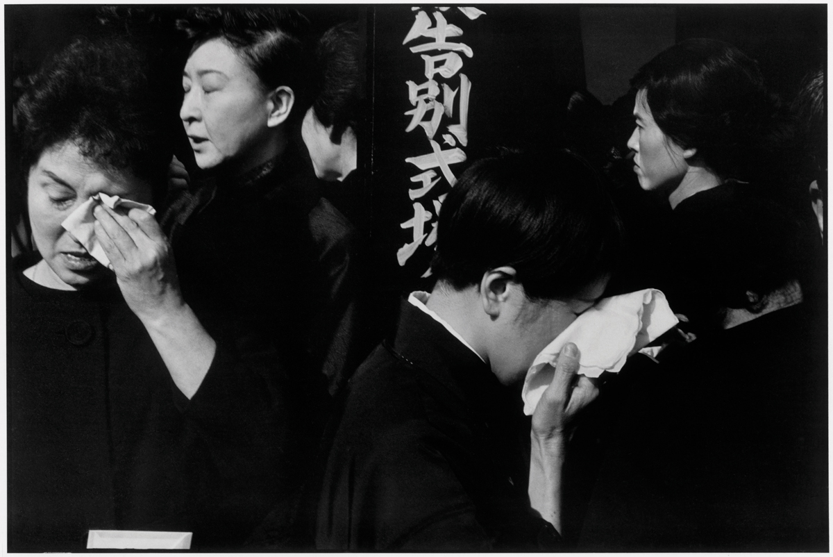 Henri Cartier-Bresson, Kabuki Actor's Funeral, 1965.