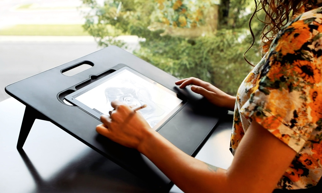 Draw in Comfort with an iPad Stand Made Just for Artists